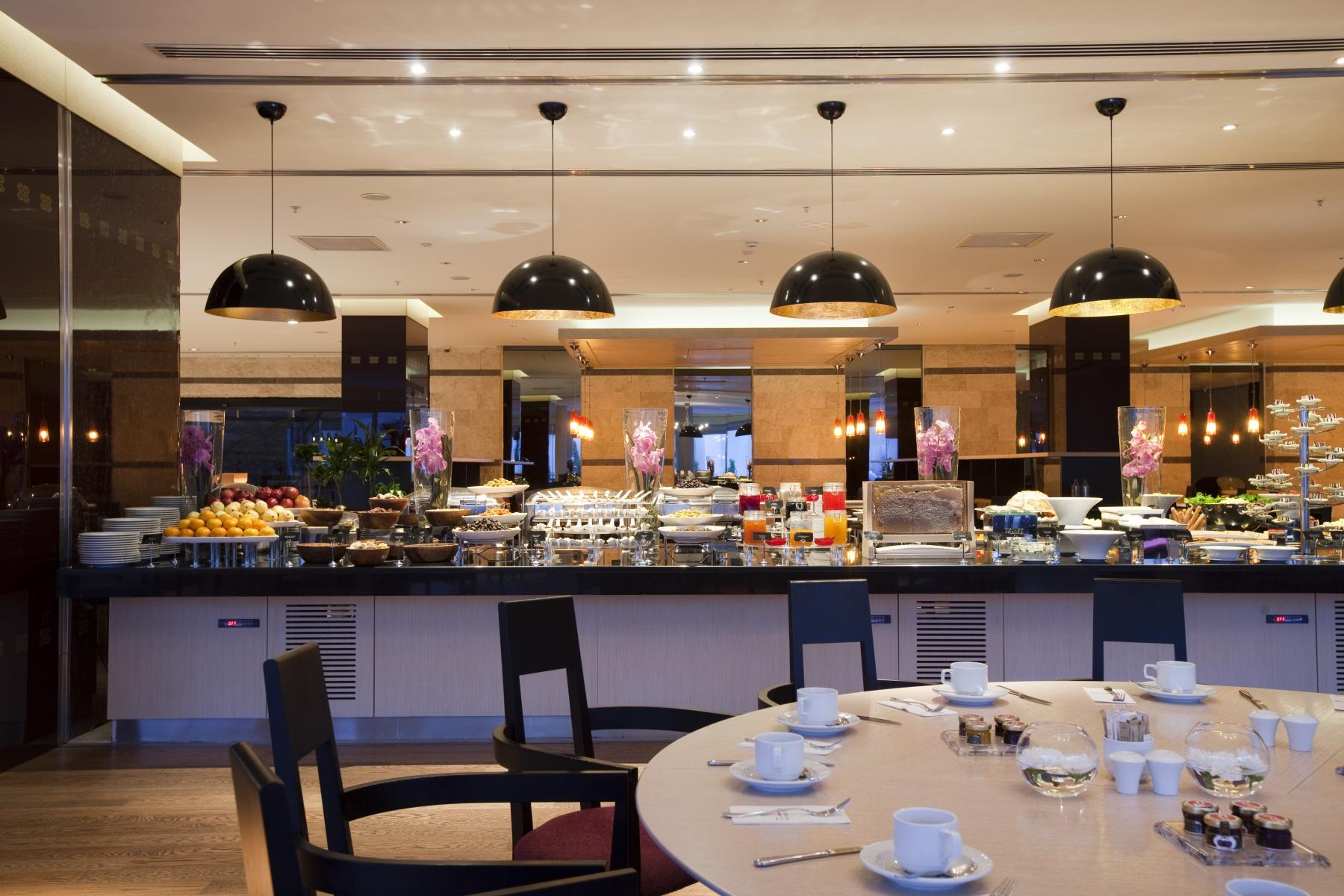 20_Cosy_Restaurant.JPG